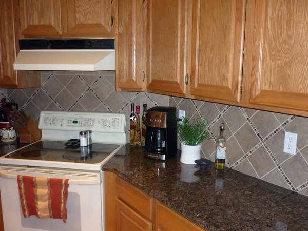 Custom tile design ltd in midland mi relylocal for Normal kitchen design