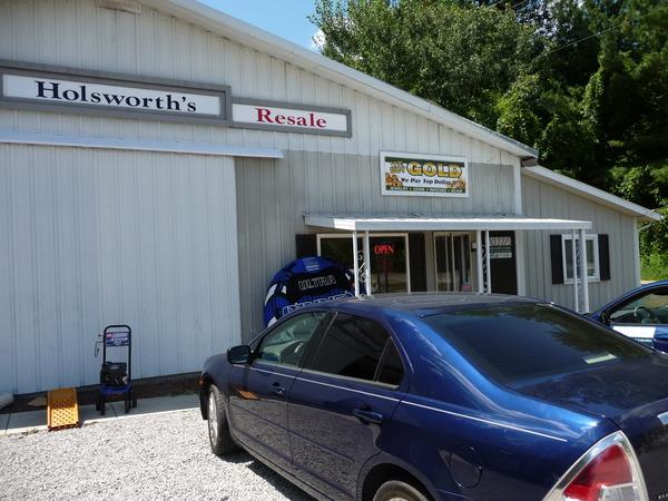 Holsworth's Resale Shop Sanford, Michigan