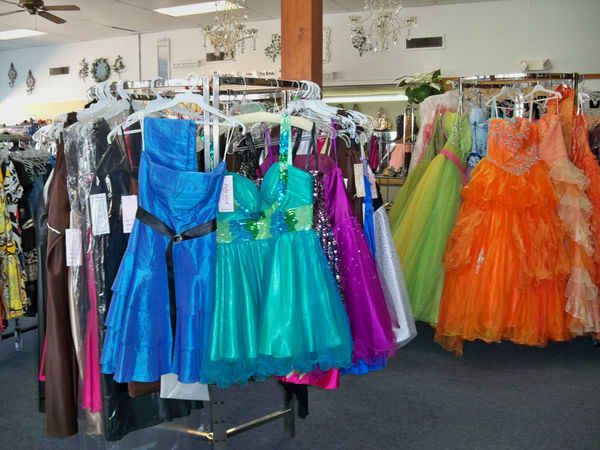 Stores On Long Island That Sell Prom Dresses