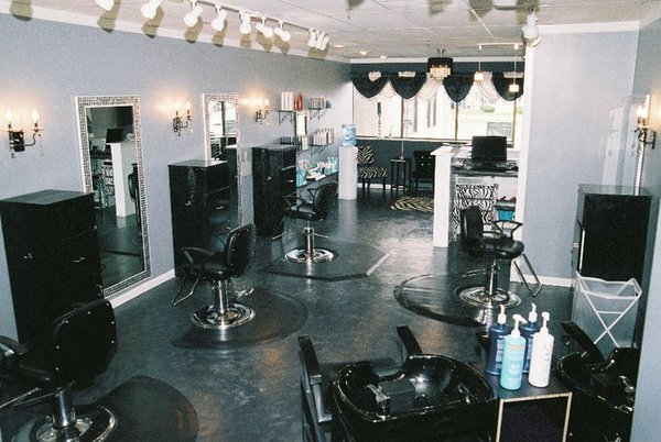 Salon gloss in racine wi relylocal for 4 estrellas salon kenosha wi