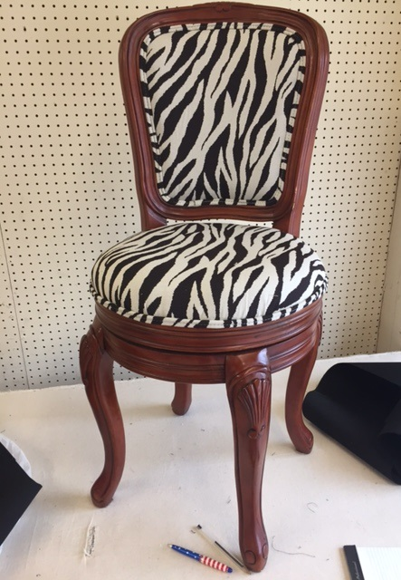 Acme Upholstering Shop Perrett S Upholstery In Montgomery Al