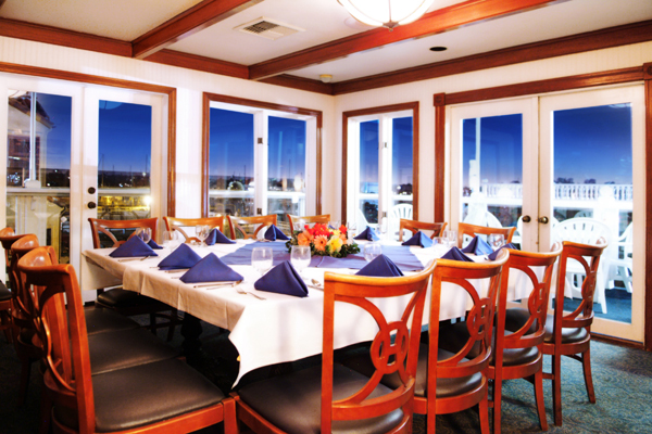 Newport landing restaurant in newport beach ca relylocal for Cafe jardin newport beach