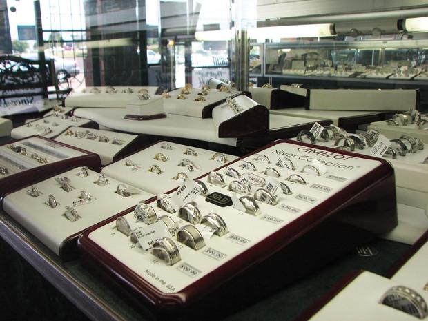 Bryan jewelry in prattville alabama relylocal for Custom home designs prattville al